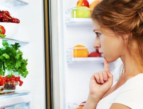 3 Τρόποι για να οργανώσετε τα τρόφιμα στο ψυγείο σας με ταπερ